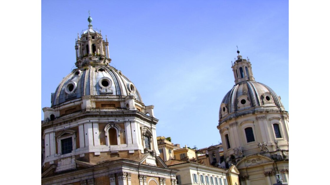 ROME Forum de Trajan églises.JPG