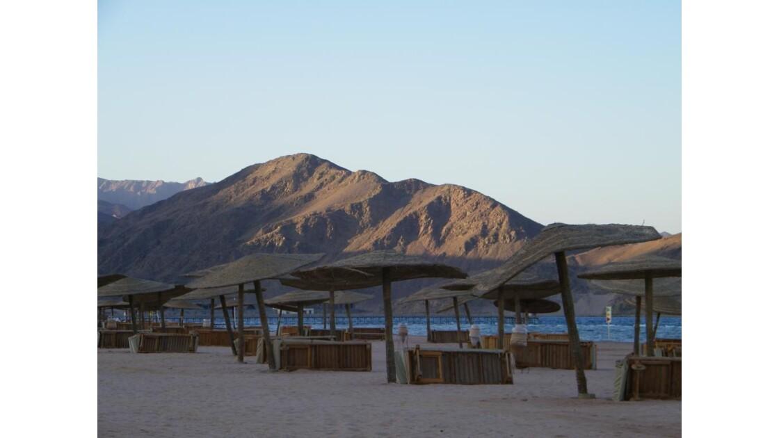 plage déserte...dans le désert