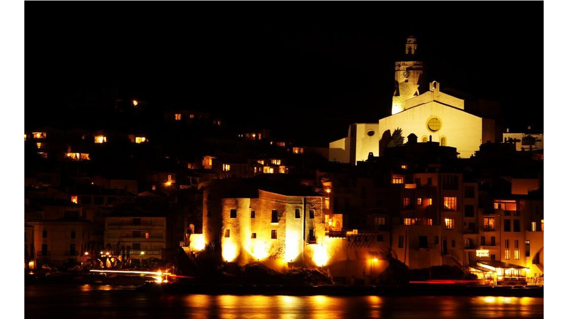 Cadaquès by night