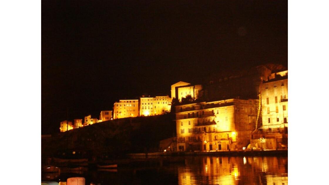 Bastia-reflets dans le vieux port