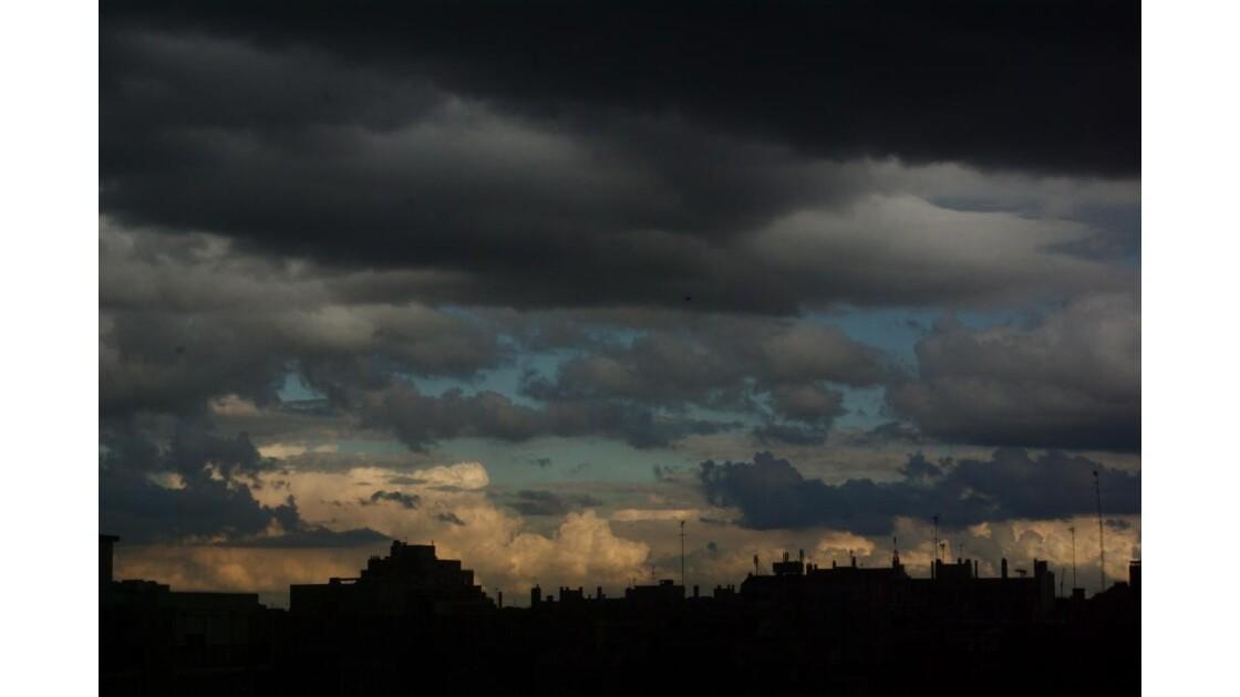 le ciel nous tombe sur la tête