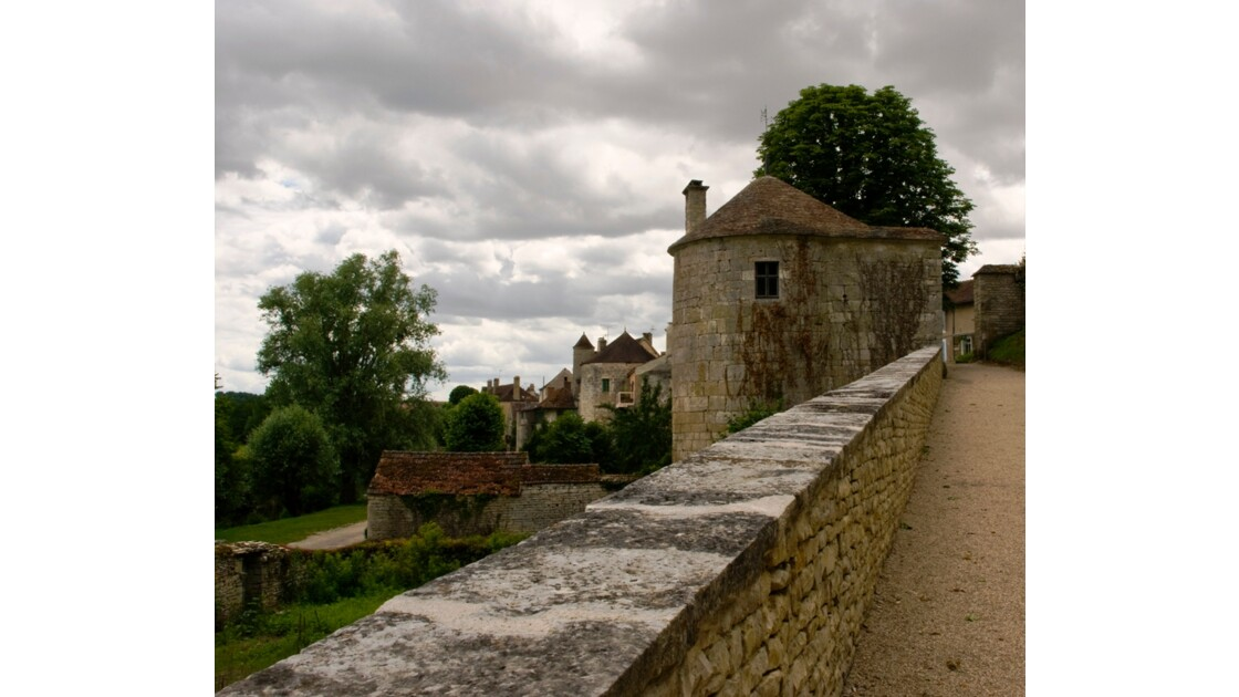 Remparts Noyers