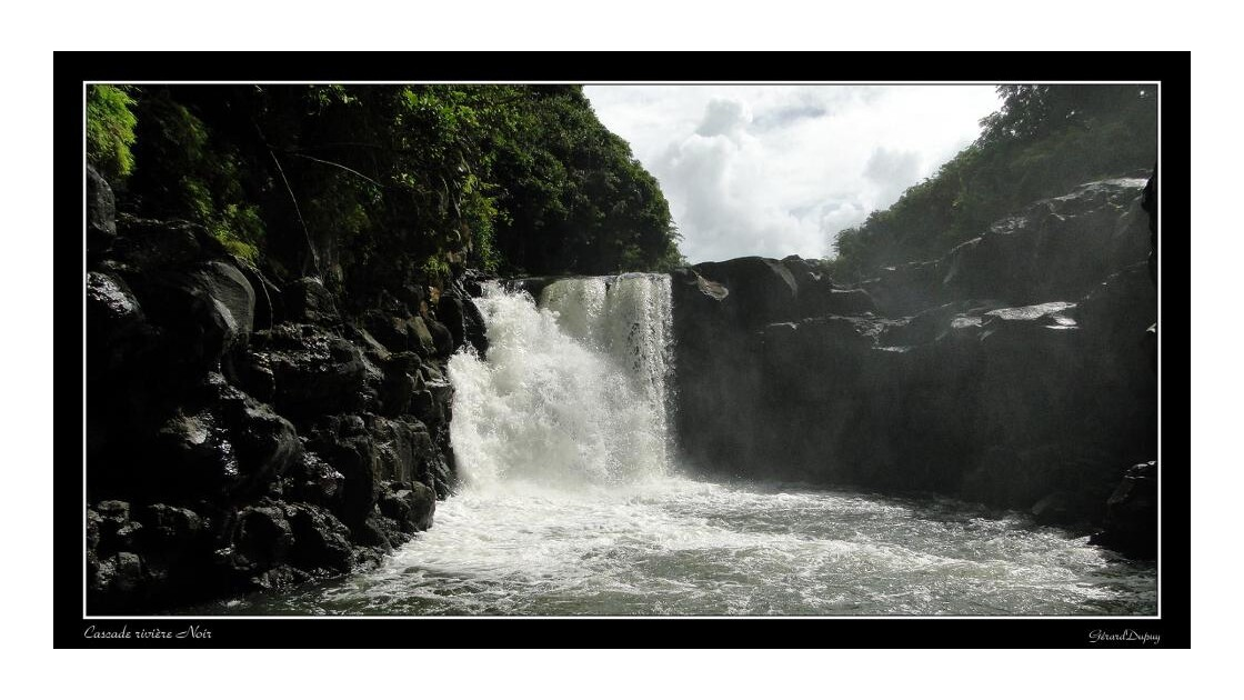 La cascade noir