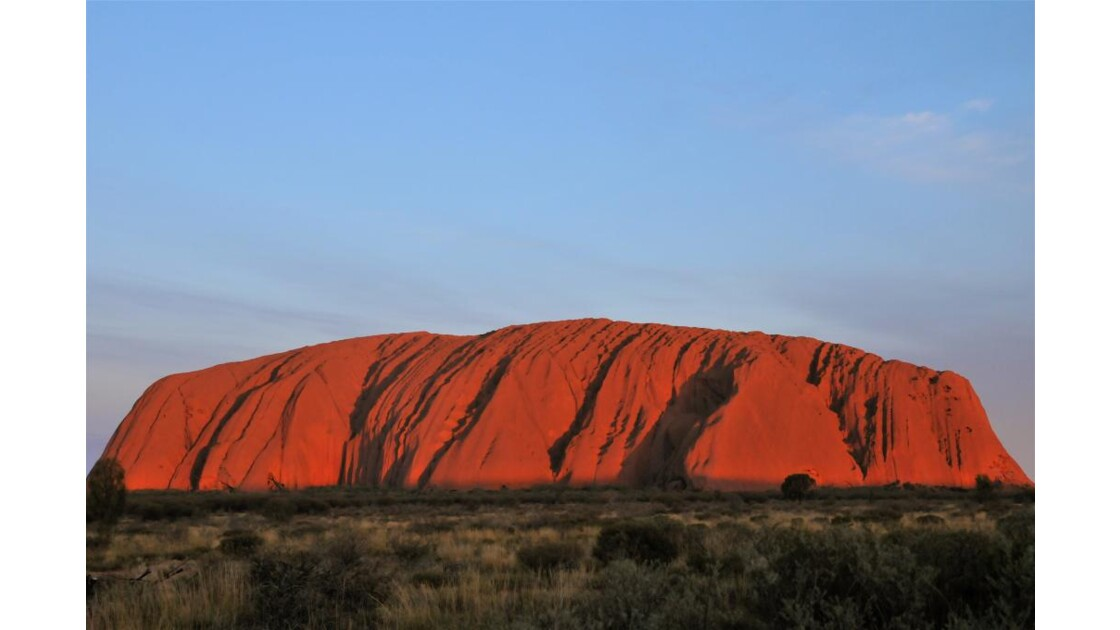 Uluru_rocher_rougissant.jpg