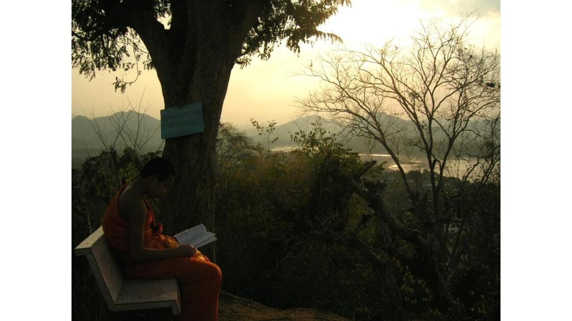 Sunset et moine
