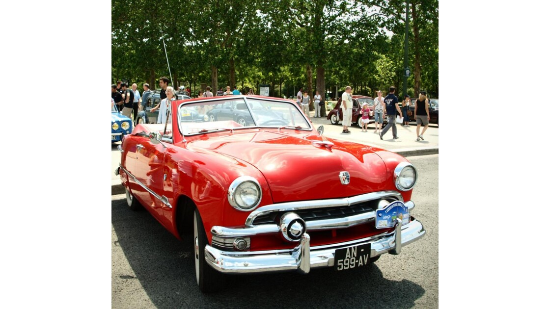 Oh la belle (Ford) rouge !