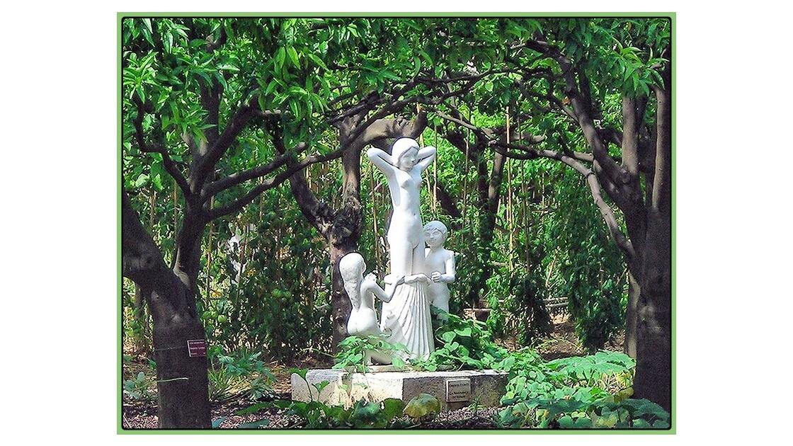 Dans les jardins du palais Carnolès
