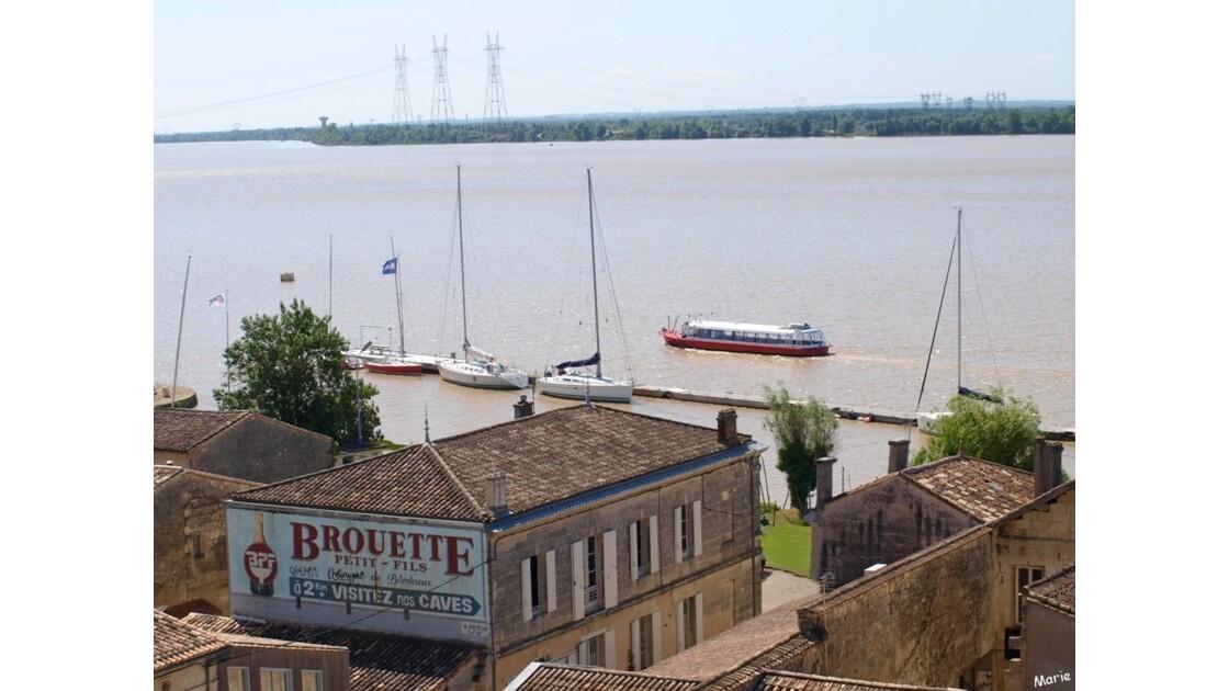 La Dordogne, la ville basse, le port