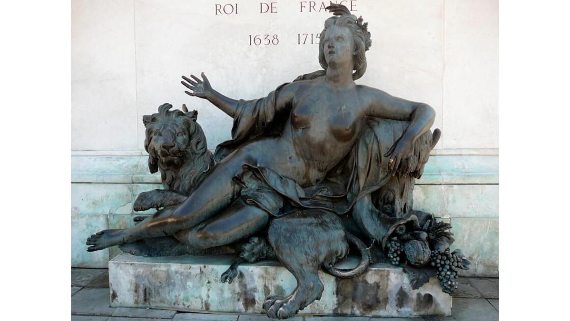 Statue_de_Louis_XIV__detail_.JPG