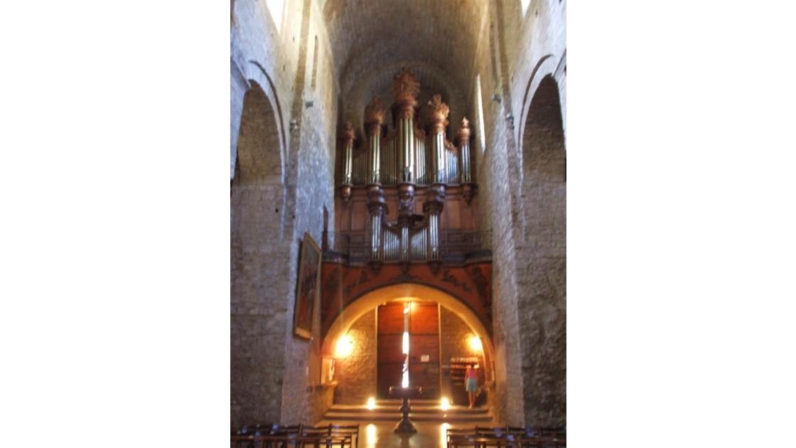 Intérieur de l'abbaye de Gellone
