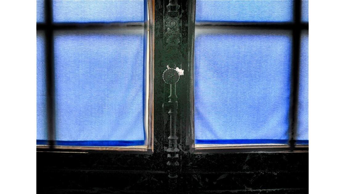 Les rideaux bleus !
