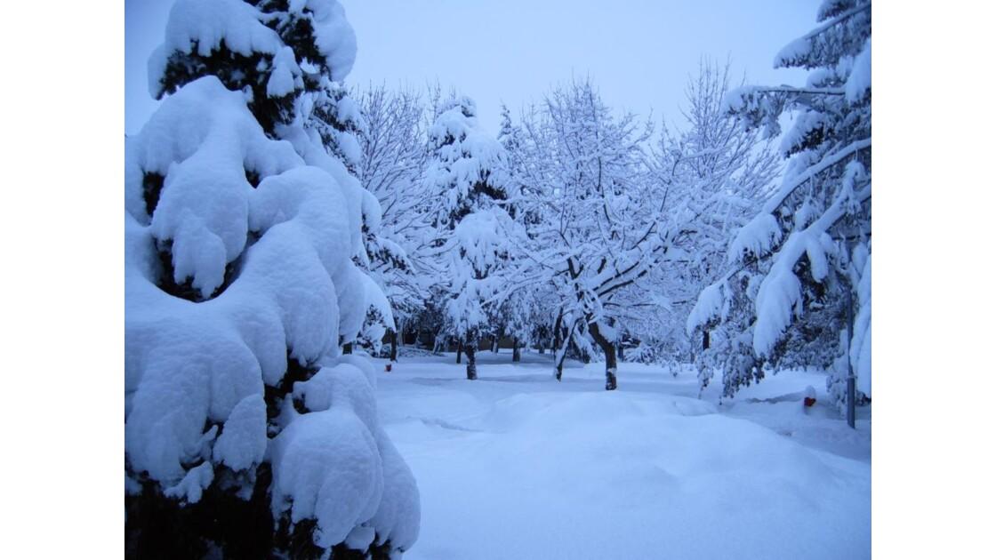 Neige au Kosovo hiver 2005
