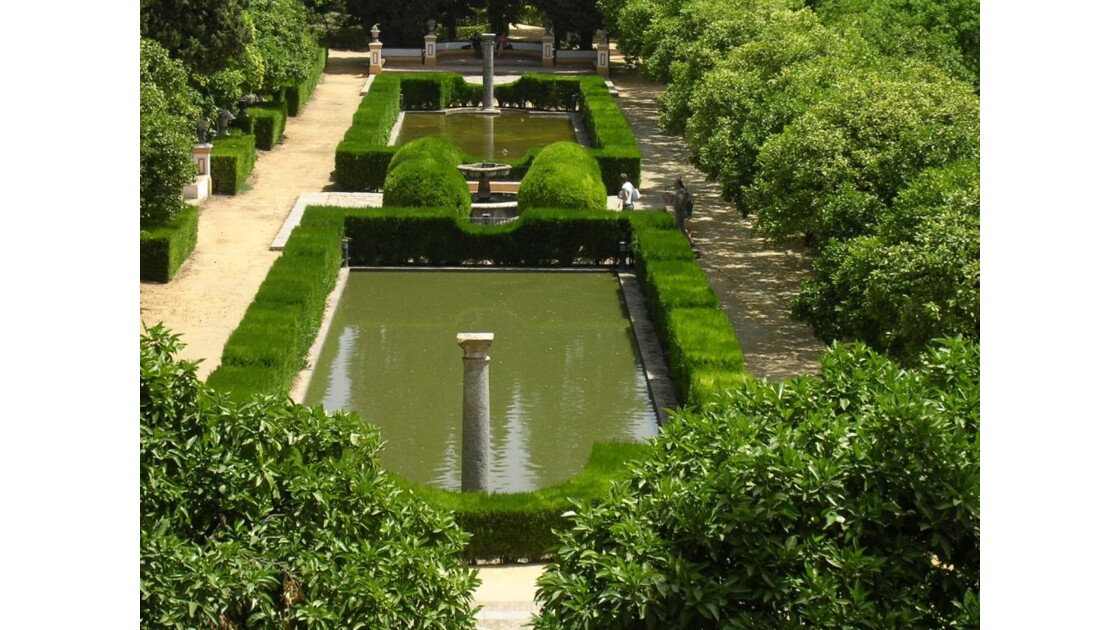 dans les jardins de l'Alcazar