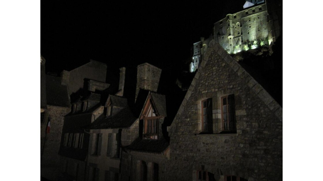 le bourg de nuit