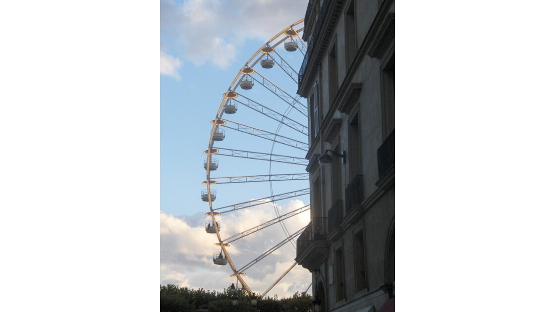 Grande roue Tuileries from rue St-Roch