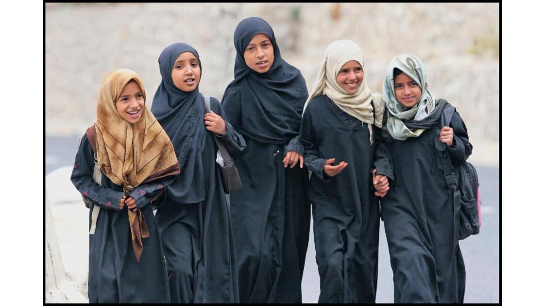 Cinq filles.