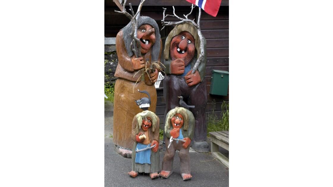 Une famille de Trolls !!!