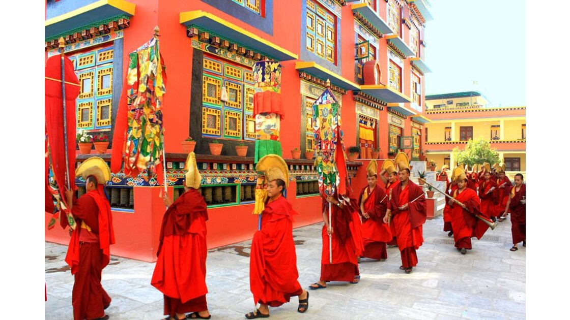 Procession des moines Shechen 2