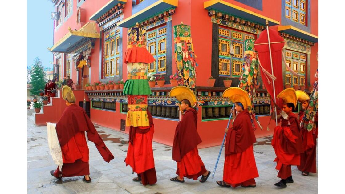 Procession des moines Shechen 1