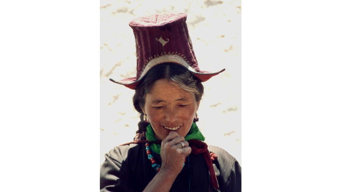 Femme au chapeau - Hemis