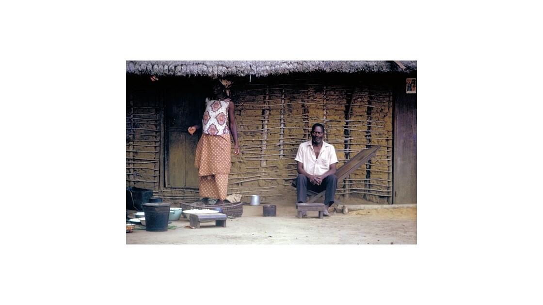 Case du chef. Village près de Makoua