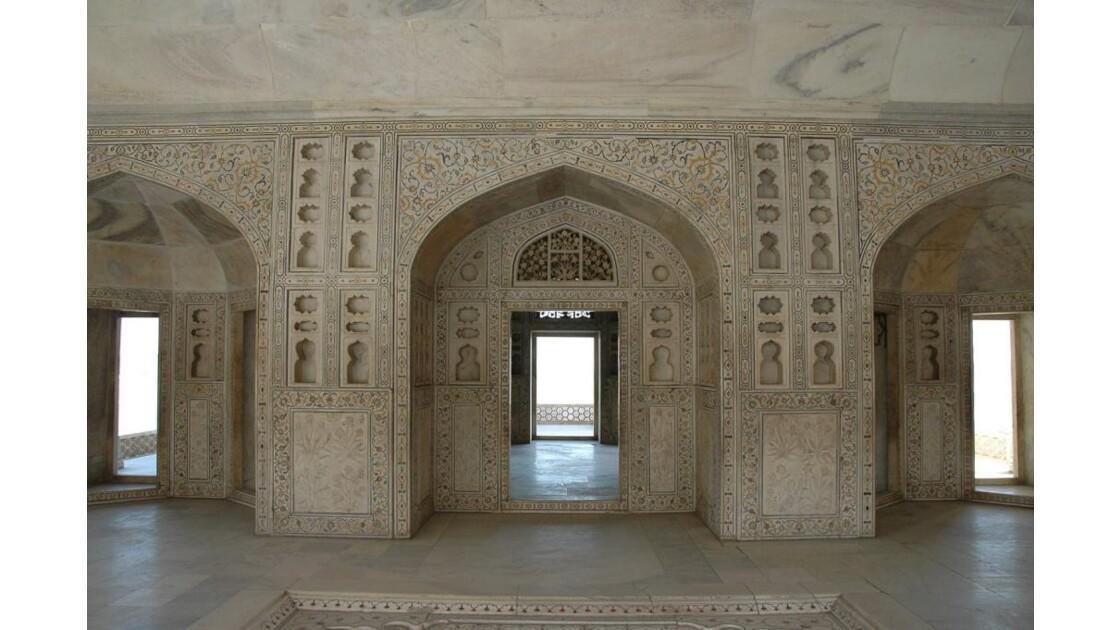 Fort Rouge d'Agra, Musamman Burj