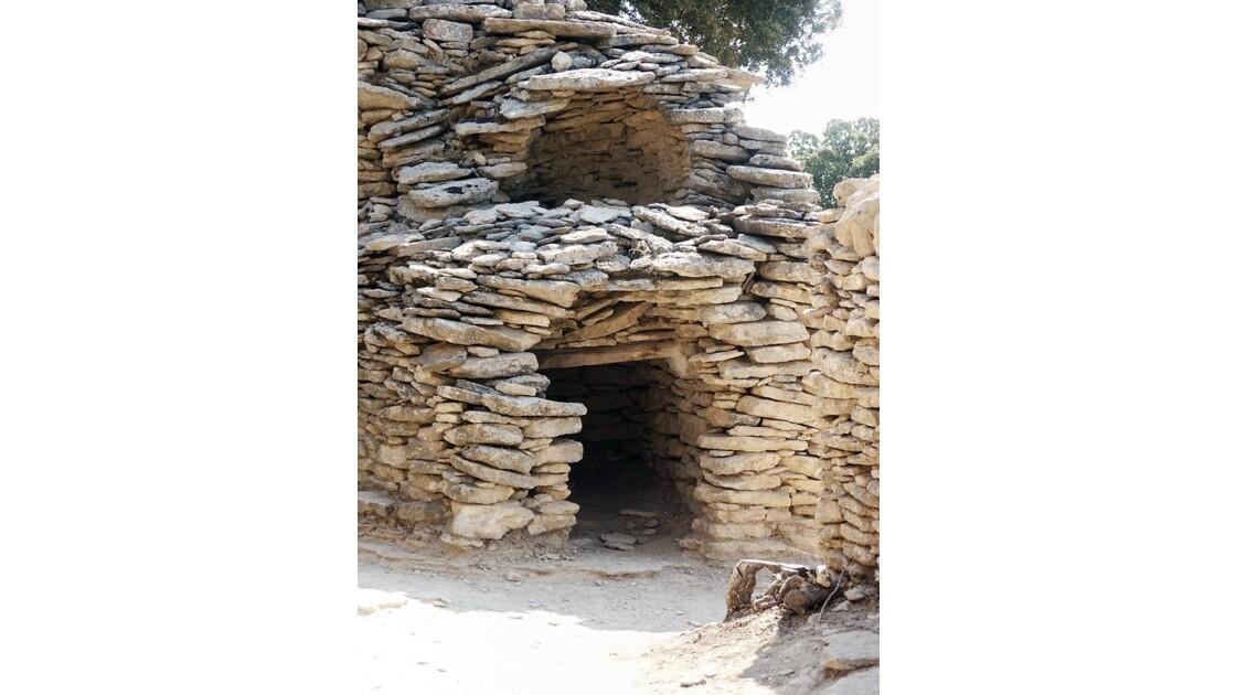 L'entrée de la cabane