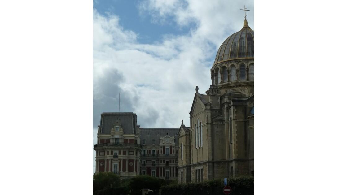 Eglise russe & Hôtel du Palais