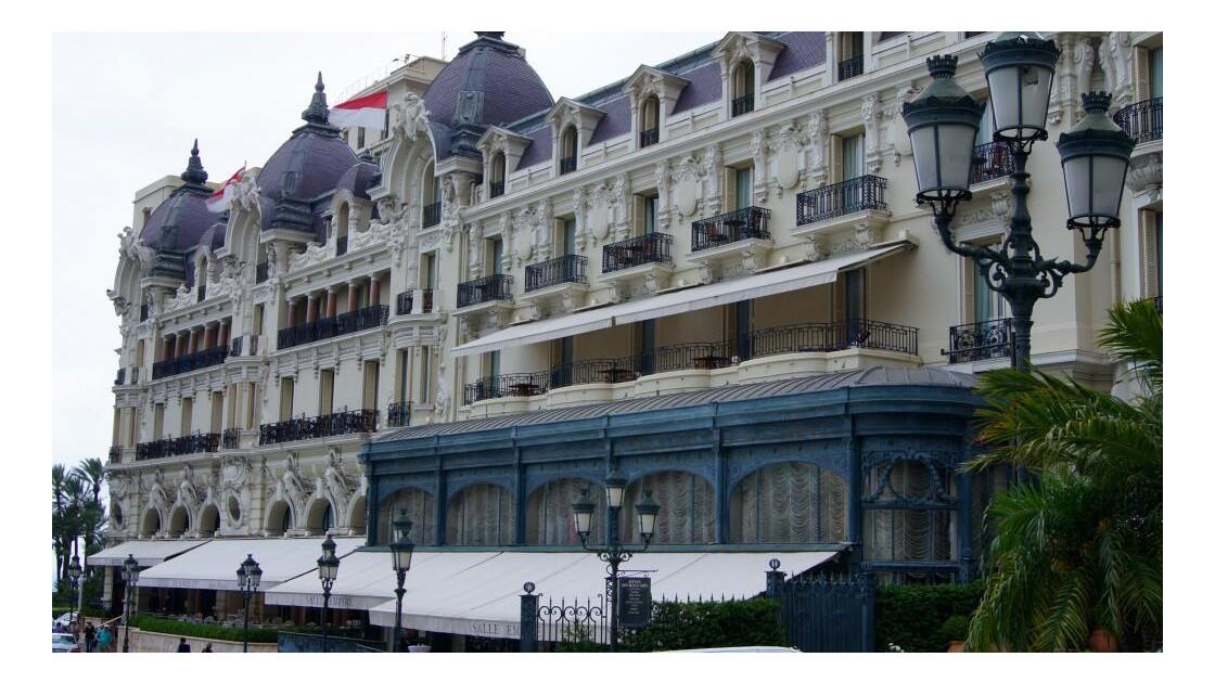 DSC01802.JPG Hotel de Paris