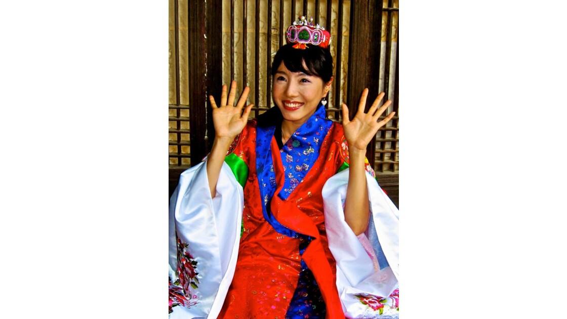Pretty Women with Hanbok