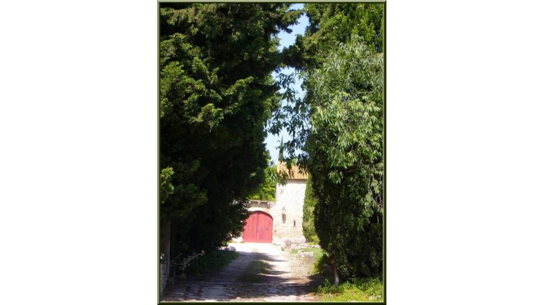 Chemin vers le mas_SS101314.jpg