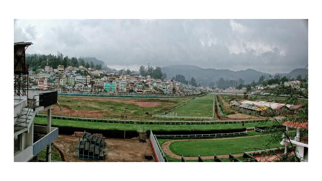 ooty panorama champ de courses