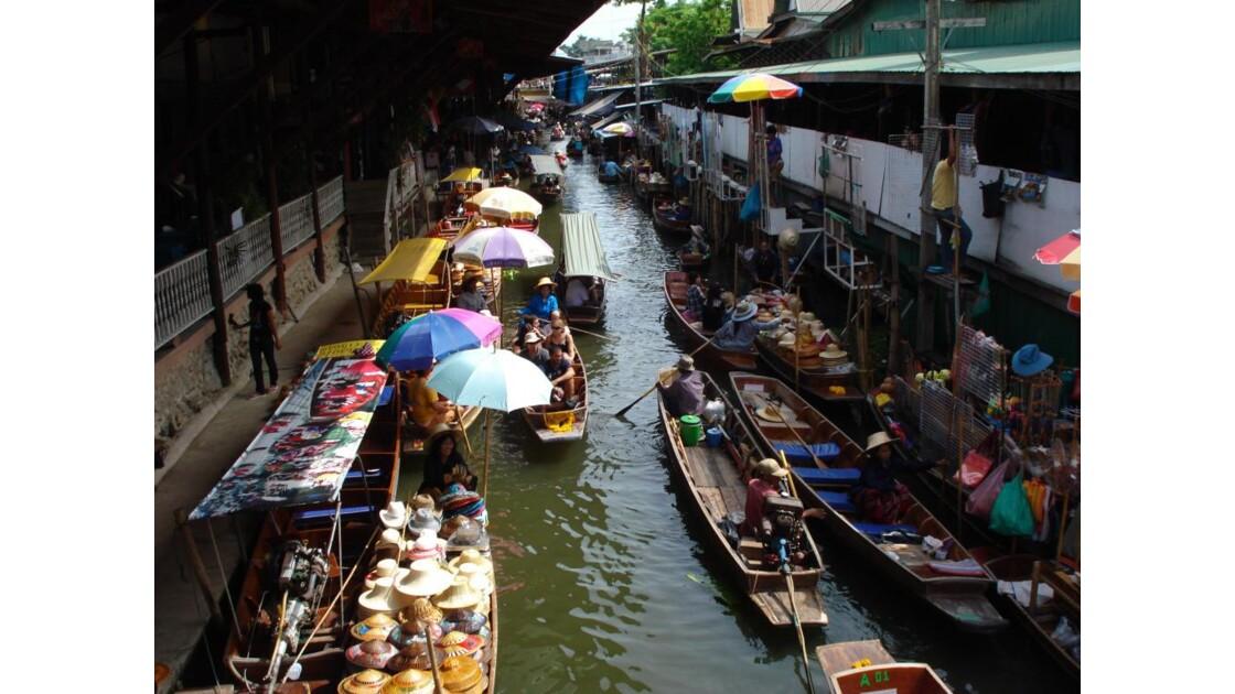 Floating boats, Thailande, 2008.