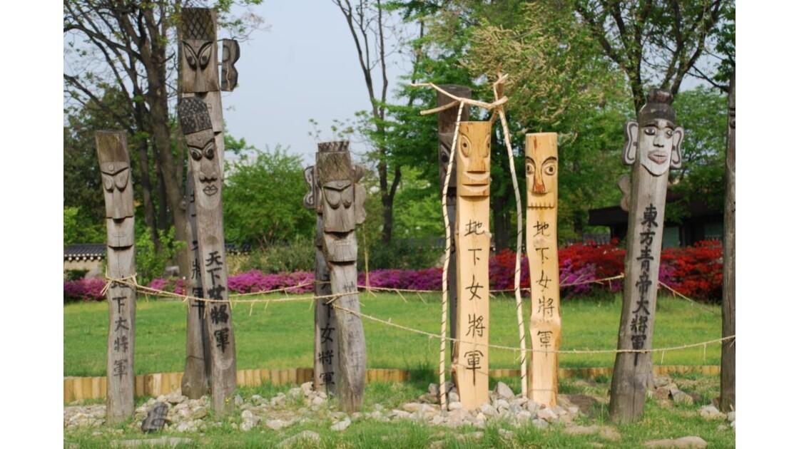 Totems traditionnels coréen