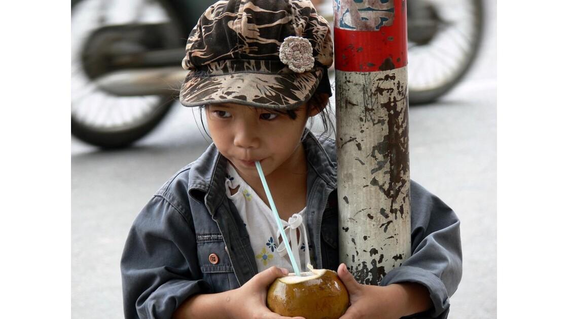 Petite fille de Saigon.