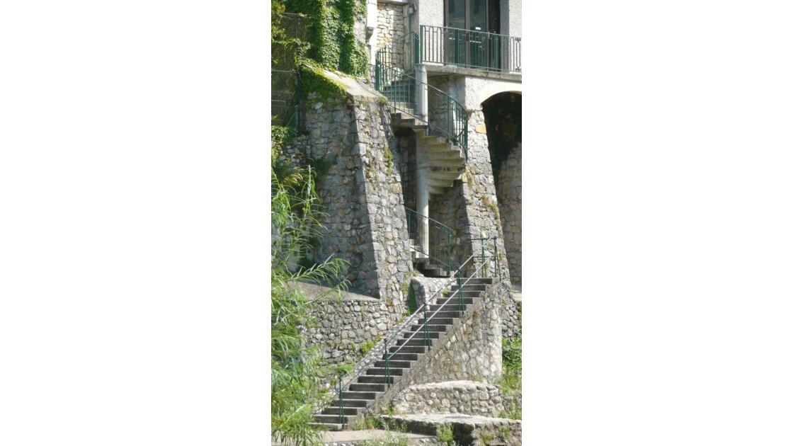 Pont-en-Royans - Escaliers.JPG
