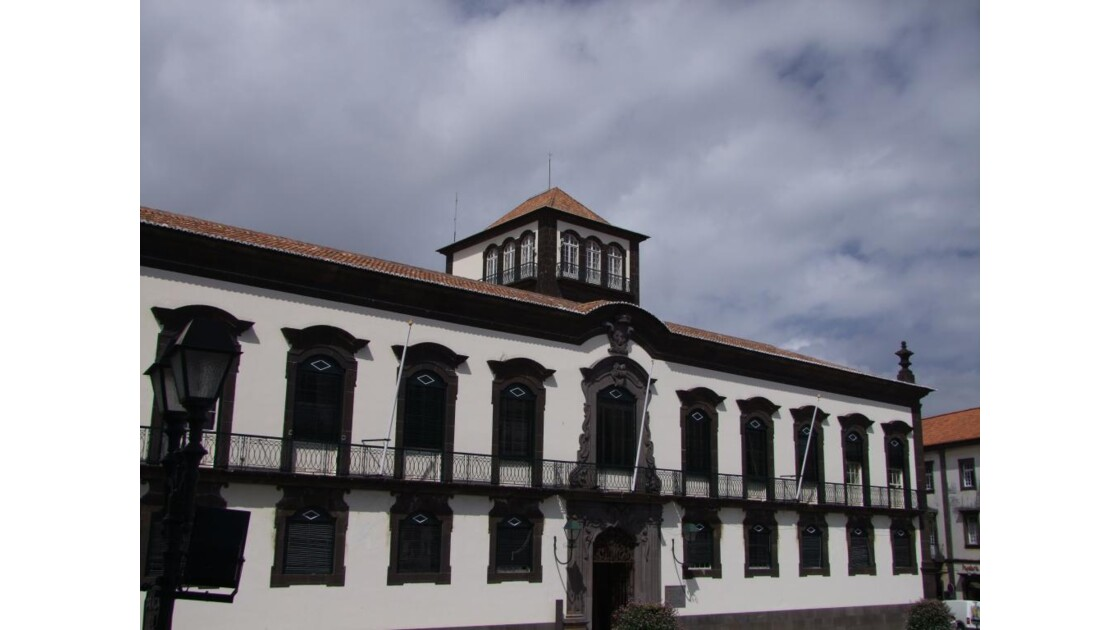 Madère Funchal CamaraMunicipal.JPG.