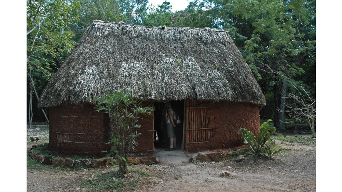Visite de la maison Maya.