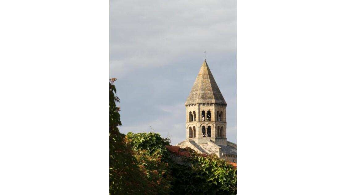 """""""Saint Saturnin : Autre vue de l'église"""
