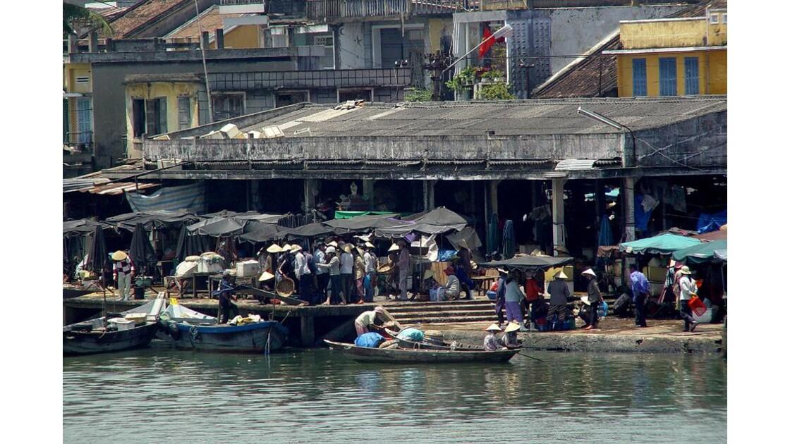 Hoi An port sur la rivière Thu Bon.