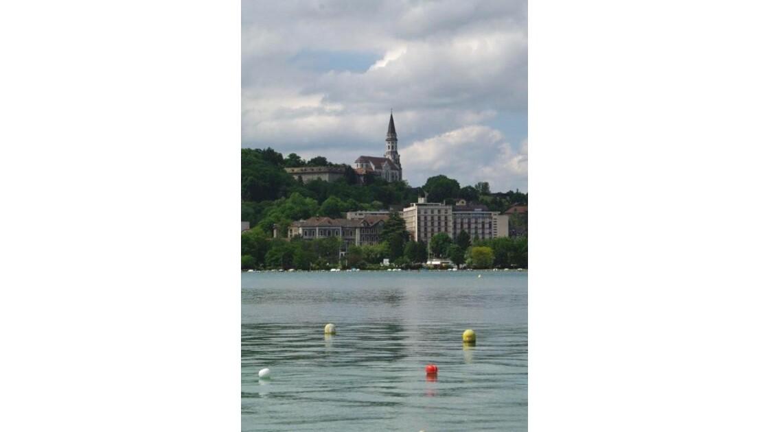 Basilique de la Visitation vue du lac