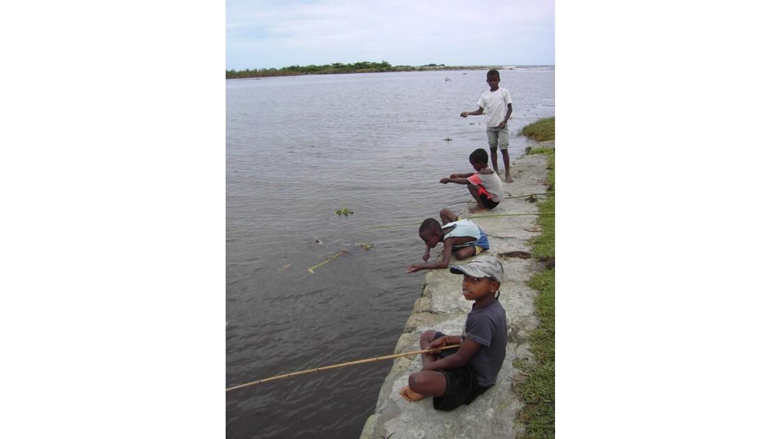 Vatomandry - Petits pêcheurs
