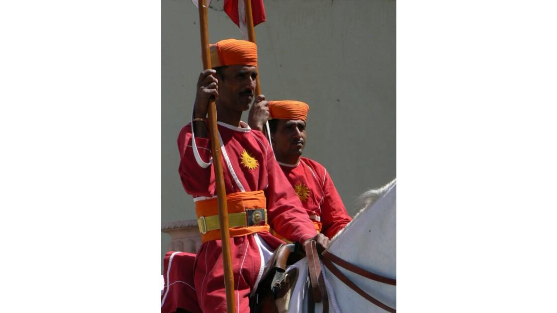 Gardiens du palais