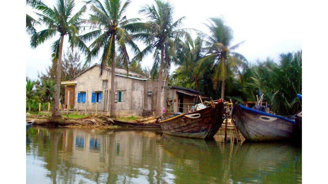 sur la rivière Thu Bon