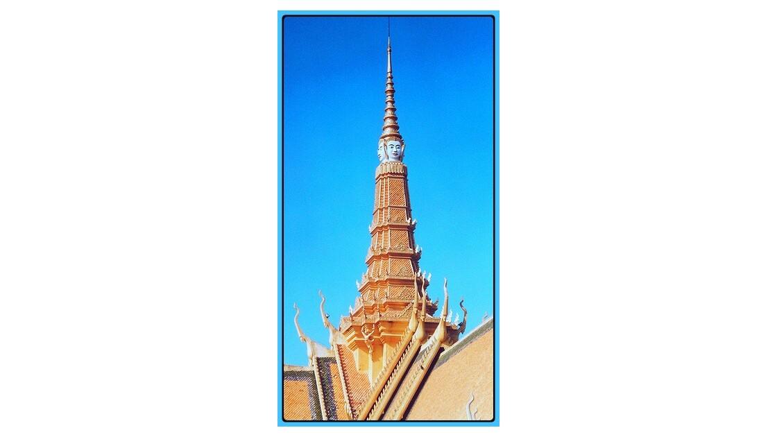 Phnom Penh La flèche du palais royal