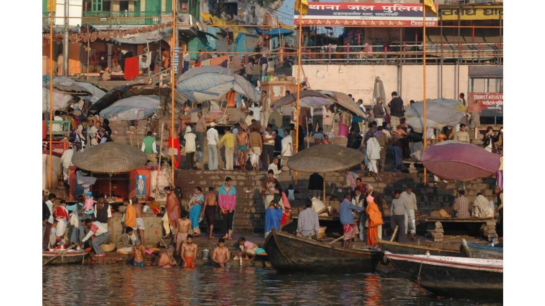 Benares -Ghats au petit matin