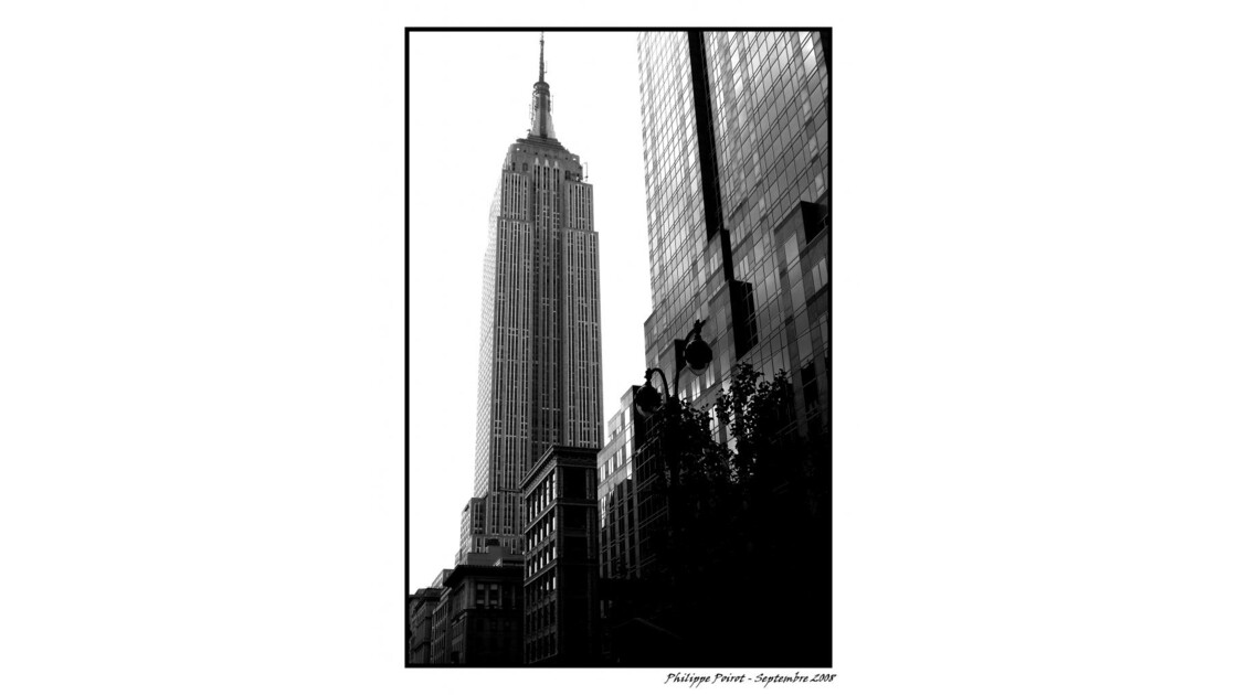 Empire State Building N&B