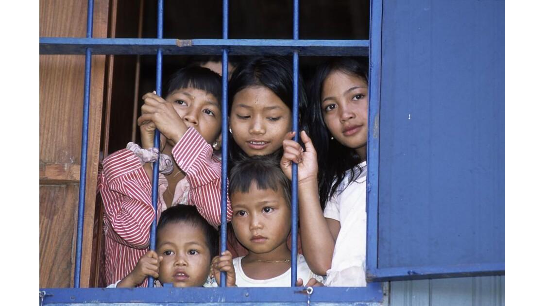 Jeunes cambodgiens