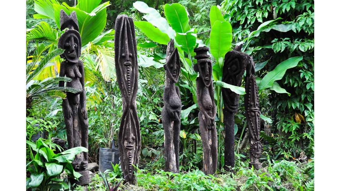 Efate, sculptures de Malekula
