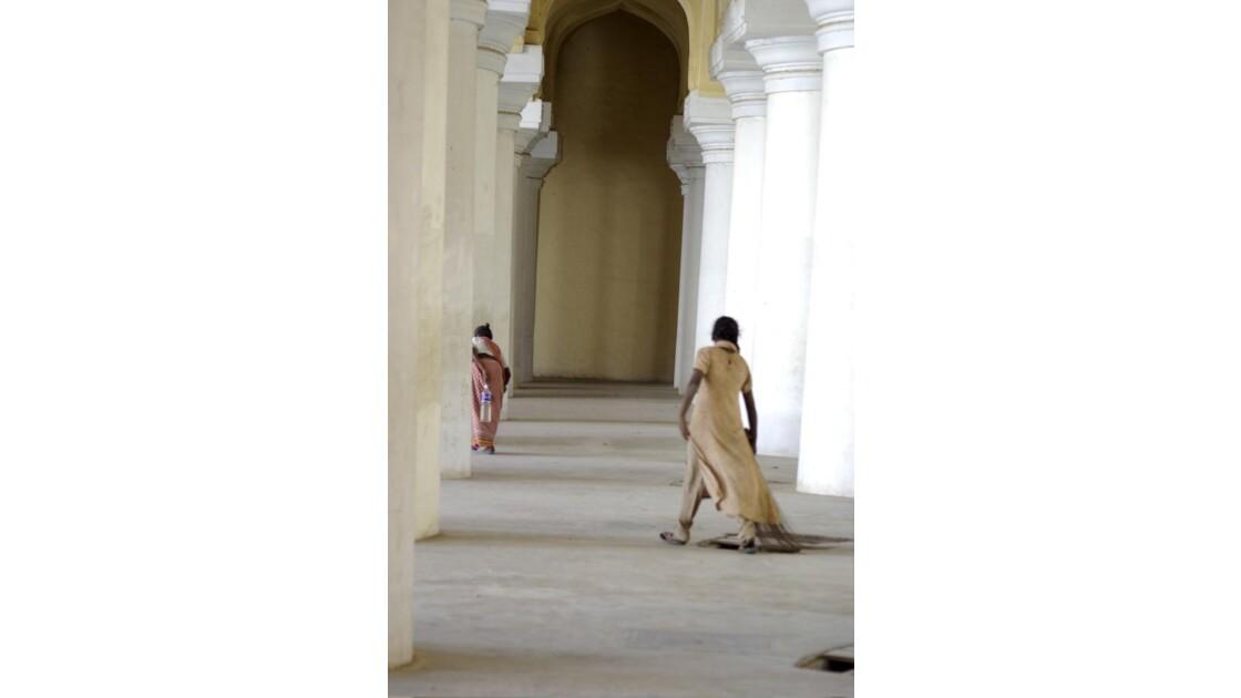 Femmes_dans_un_temple